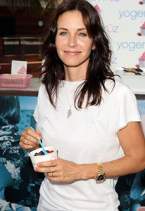 courtney-cox-yogen-fruz